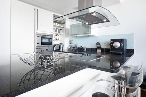 2 bedroom flat to rent - Hertesmere Road, London