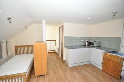 Studio to rent - Warbank Crescent New Addington CR0