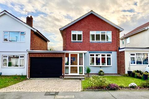 3 bedroom detached house for sale - Maiden Erlegh Avenue, Bexley