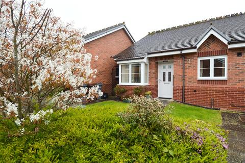2 bedroom bungalow for sale - Michael Blanning Place, Gorton Croft, Balsall Common, Coventry, CV7
