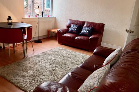 4 bedroom flat to rent - Coast Road, High Heaton, Newcastle upon Tyne
