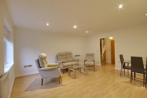2 bedroom apartment to rent - Onyx Mews, Stratford