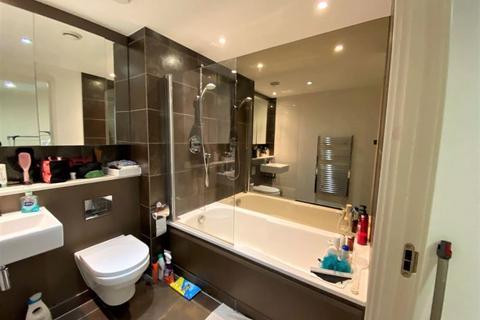 1 bedroom flat to rent - The Landmark, Canary Wharf E14