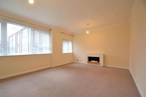 2 bedroom apartment - Argosy Drive, Manchester