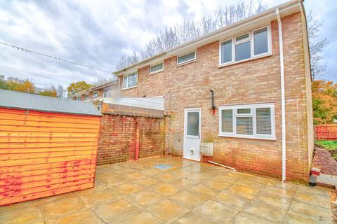 3 bedroom end of terrace house for sale - Puffin Close, Lordswood, Southampton