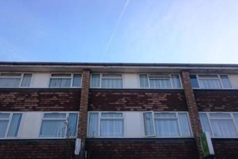 3 bedroom maisonette - Hertford Road