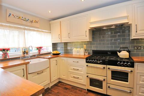 3 bedroom terraced house for sale - Hadfield Road, Stanwell, Staines-upon-Thames, TW19