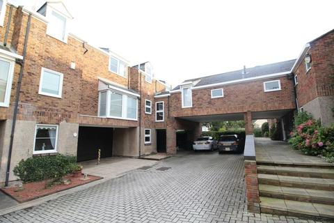 3 bedroom property - Foxton Court, Cleadon