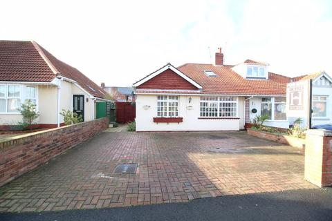3 bedroom semi-detached bungalow for sale - Central Gardens, South Shields