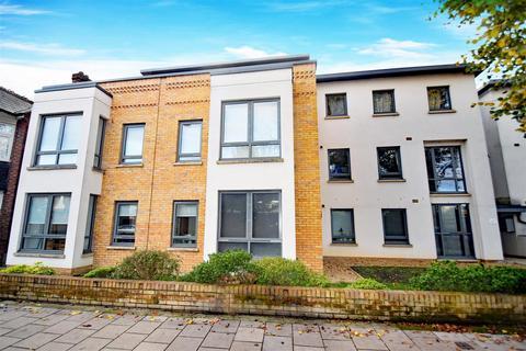 1 bedroom apartment - St Margarets Road, St Margarets Village