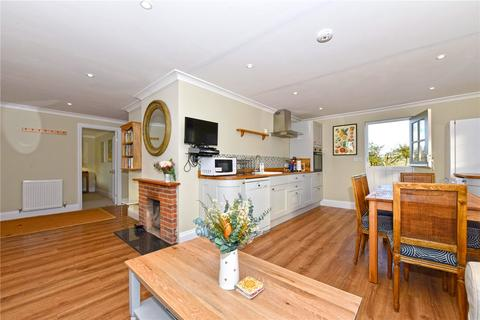 3 bedroom detached bungalow to rent - Manor Road, Wantage, Oxfordshire, OX12