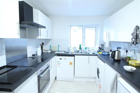 5 bedroom property to rent - *£115pppw* Herald Close, Beeston, NG9 2DW