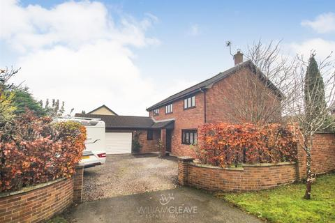 4 bedroom detached house - Ash Drive, Buckley
