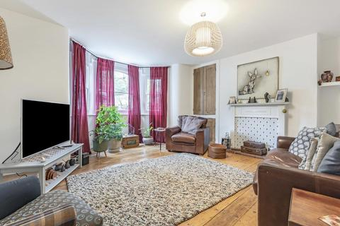 2 bedroom flat for sale - Kidbrooke Park Road, Blackheath
