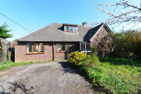 4 bedroom detached house for sale - Mead End Road, Sway, Lymington
