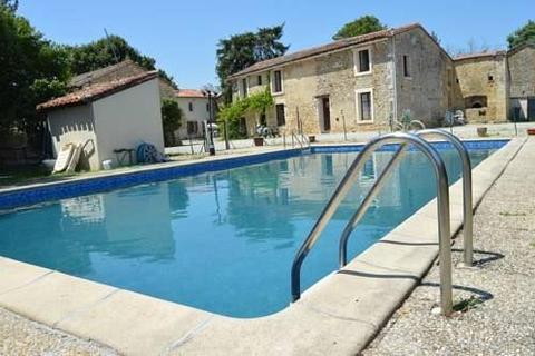 15 bedroom house - Nouvelle-Aquitaine, Charente, France