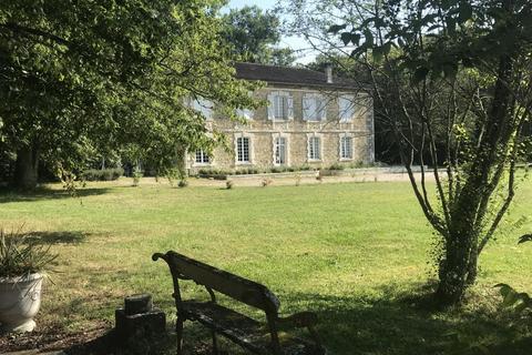 6 bedroom house - Nouvelle-Aquitaine, Charente, France