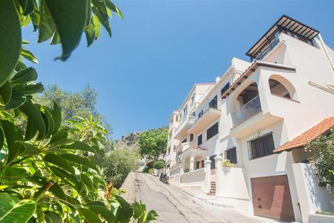 6 bedroom house - South District, Gibraltar