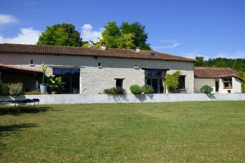 5 bedroom house - Nouvelle-Aquitaine, Charente, France