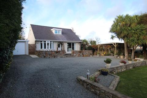 4 bedroom detached house - Brynteg, Anglesey
