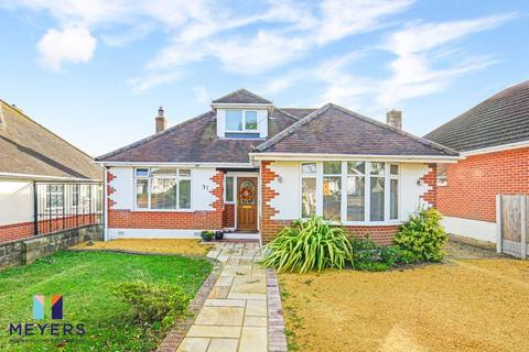 3 bedroom bungalow for sale - Petersfield Road, Bournemouth, BH7
