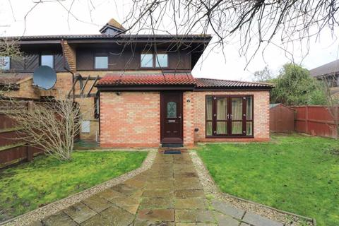 2 bedroom detached house to rent - Friars Mead, London