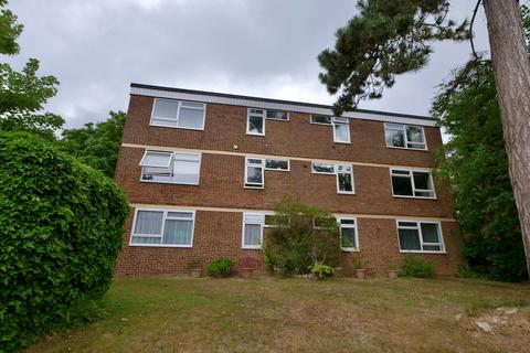 2 bedroom flat to rent - Blackborough Road, Reigate, RH2