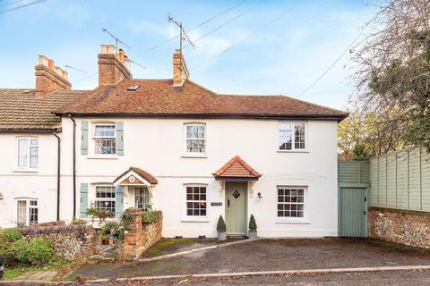 3 bedroom cottage for sale - Rose Cottages, The Hill, Winchmore Hill, HP7