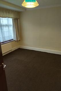 4 bedroom house share to rent - Belmore Avenue, Hayes, UB4 0RB