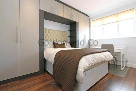 1 bedroom house share to rent - St. John's Hill, London, SW11