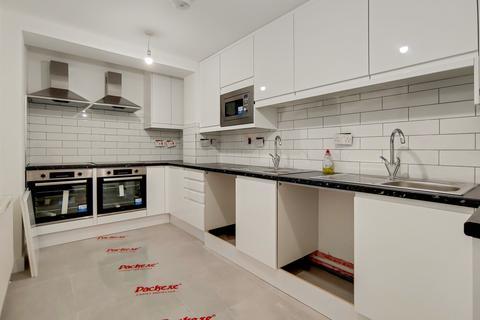 1 bedroom house share to rent - Hospital Way, Hithe Green, Lewisham, London, SE13