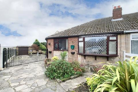 3 bedroom bungalow - Delmont Close