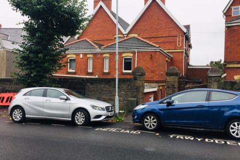 1 bedroom flat to rent - F11 - 122 Eaton Crescent