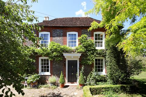 5 bedroom detached house for sale - Mead Farm Beaconsfield Road,  Farnham Common, SL2