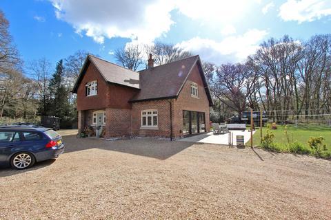 4 bedroom detached house for sale - Sway Road, Brockenhurst, Hampshire, SO42
