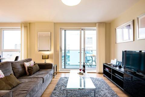 1 bedroom flat to rent - Gooch House, Glenthorne Road, Hammersmith, London W6