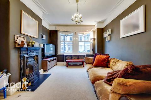 4 bedroom terraced house - Southcote Road, London