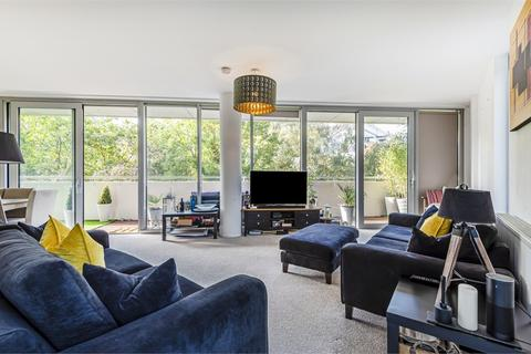 2 bedroom flat for sale - Edmunds House, Colonial Drive, Chiswick, London