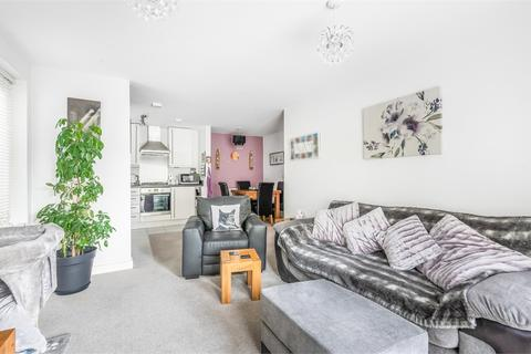 2 bedroom flat for sale - Balmoral House, 1 Hadleigh Grove, Coulsdon, Greater London