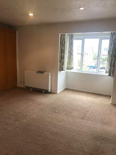 Studio to rent - Pikestone Close, Yeading