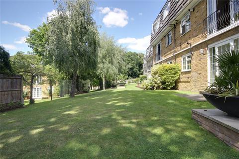 2 bedroom flat to rent - Amesbury Court, Crofton Way, Enfield, Greater London, EN2