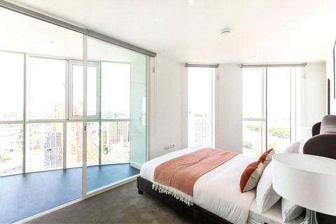2 bedroom apartment for sale - Sky Gardens, 155 Wandworth Road, London, SW8
