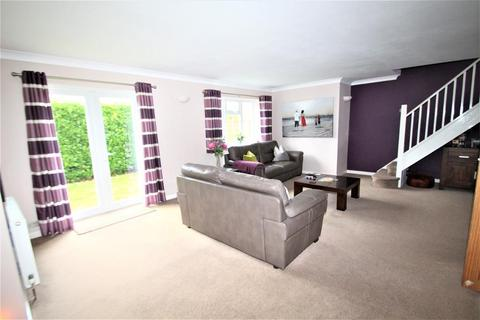 4 bedroom semi-detached bungalow for sale - Perry Hall Close, Orpington, Kent, BR6 0HU