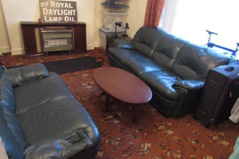 3 bedroom flat - Brunswick Street, Brynmill, , Swansea