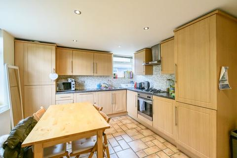 4 bedroom maisonette to rent - Greystoke Gardens, Sandyford,