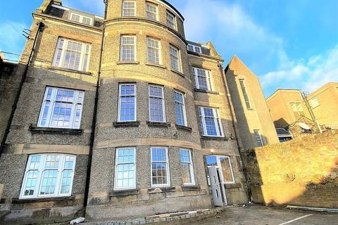 2 bedroom flat to rent - 15D  East Port, Dunfermline