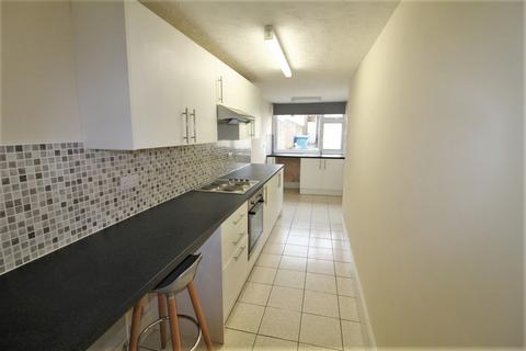 2 bedroom maisonette to rent - Reynolds Road