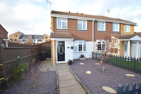 3 bedroom semi-detached house for sale - Coltsfoot Green, Luton