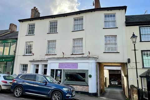 2 bedroom flat for sale - North Tawton
