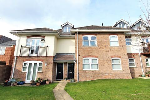 2 bedroom apartment - Chapel Road, Poole, BH14